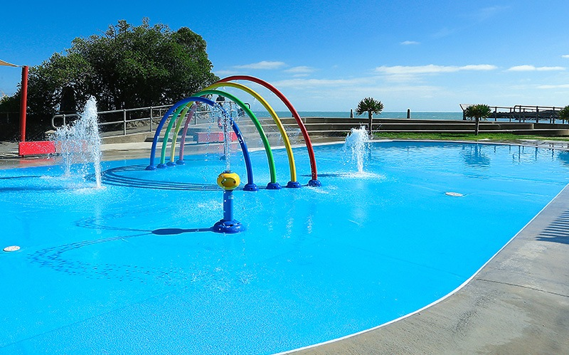 splash pad with NataDek pool surface
